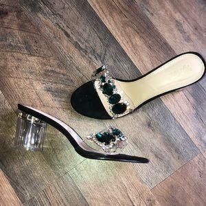 Shoes - Cute emerald heels